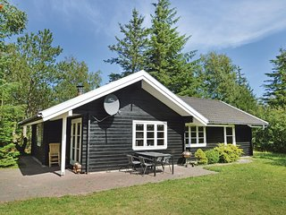 Awesome home in Pandrup w/ Sauna, WiFi and 3 Bedrooms