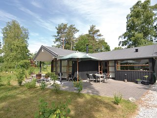 Nice home in Grenaa w/ WiFi and 3 Bedrooms