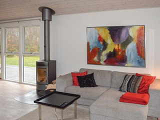 Beautiful home in Hadsund w/ WiFi and 3 Bedrooms
