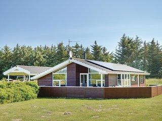 Amazing home in Lokken w/ Sauna, WiFi and 4 Bedrooms