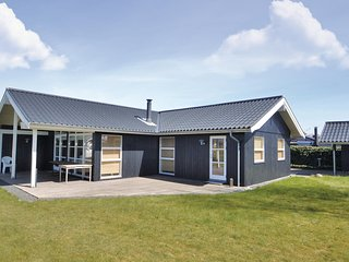Amazing home in Grenaa w/ WiFi and 2 Bedrooms
