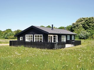 Amazing home in Grenaa w/ 3 Bedrooms and WiFi