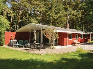 Nice home in Hadsund w/ 3 Bedrooms (D63818)
