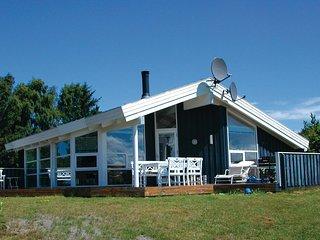 Beautiful home in Grenaa w/ Sauna, WiFi and 3 Bedrooms (D71263)