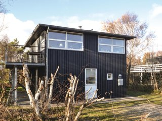 Beautiful home in Grenaa w/ WiFi and 2 Bedrooms