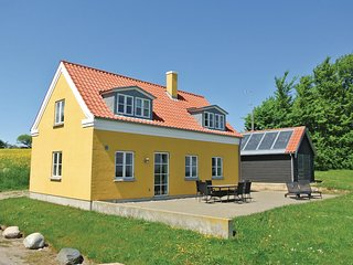 Nice home in Tranekaer w/ WiFi and 3 Bedrooms