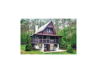 Amazing home in Spychowo w/ Sauna and 3 Bedrooms
