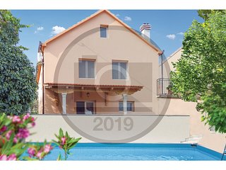 Amazing home in Hrvace w/ WiFi and 3 Bedrooms