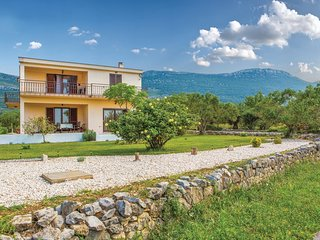 Amazing home in Kastel Novi w/ WiFi and 3 Bedrooms (CDC028)