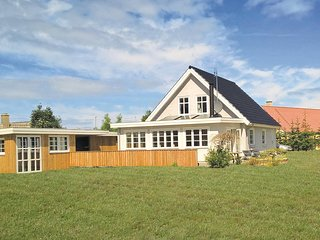 Awesome home in Glesborg w/ WiFi and 4 Bedrooms