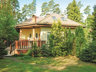 Amazing home in Grunwald w/ 4 Bedrooms and WiFi