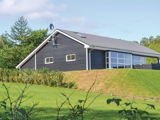 Awesome home in Glesborg w/ WiFi and 3 Bedrooms (D73164)