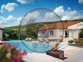 Awesome home in Donji Prolozac w/ WiFi, 4 Bedrooms and Outdoor swimming pool