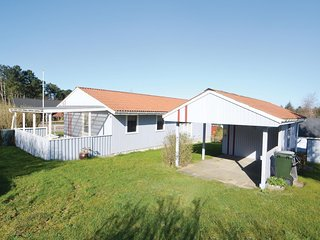 Awesome home in Glesborg w/ 4 Bedrooms