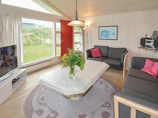 Awesome home in Blokhus w/ Sauna and 4 Bedrooms