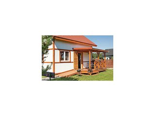 Awesome home in Ustka-Przewloka w/ 3 Bedrooms