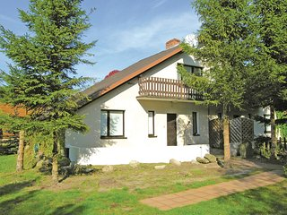Awesome home in Choczewo w/ 4 Bedrooms (PPO238)