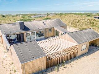 Nice home in Løkken w/ Sauna, WiFi and 4 Bedrooms