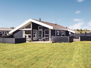 Awesome home in Hjørring w/ Sauna, WiFi and 3 Bedrooms (D7742)