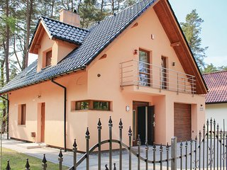 Nice home in Kamien Pomorski w/ WiFi and 3 Bedrooms