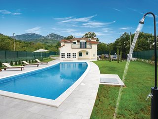 Amazing home in Hrvace w/ WiFi and 5 Bedrooms