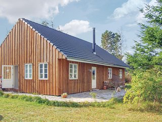 Beautiful home in Ørsted w/ WiFi and 3 Bedrooms