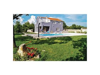 Stunning home in Turjaci w/ WiFi, 4 Bedrooms and Outdoor swimming pool
