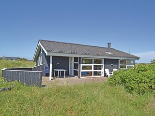 Awesome home in Hirtshals w/ Sauna, WiFi and 3 Bedrooms (D8017)