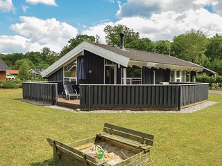 Beautiful home in Juelsminde w/ Sauna, WiFi and 3 Bedrooms