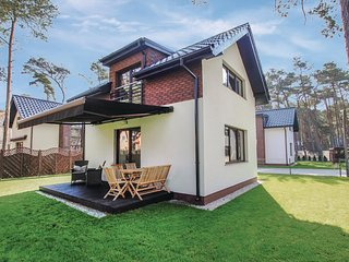 Stunning home in Pobierowo w/ 2 Bedrooms