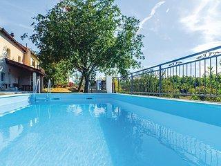 Beautiful home in Vinjani Donji w/ WiFi, 3 Bedrooms and Outdoor swimming pool