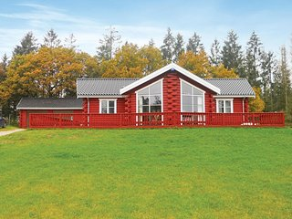 Beautiful home in Ejstrupholm w/ Sauna, WiFi and 3 Bedrooms