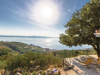 Stunning home in Podgora w/ WiFi and 1 Bedrooms