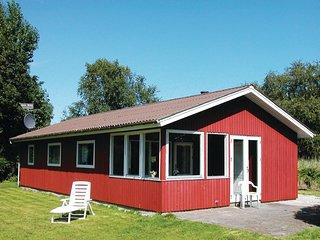 Beautiful home in Juelsminde w/ 2 Bedrooms