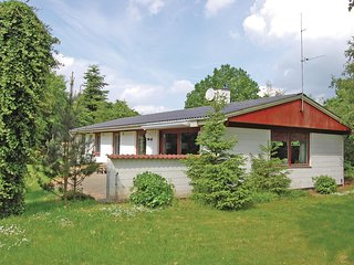 Awesome home in Farvang w/ Sauna, WiFi and 4 Bedrooms