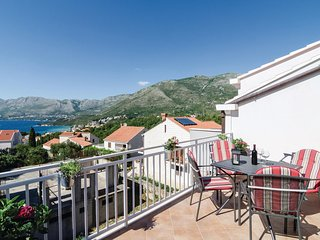 Amazing home in Cavtat w/ WiFi and 3 Bedrooms