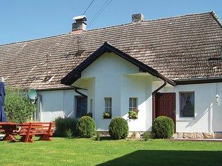 Stunning home in Retowo 4 w/ 2 Bedrooms