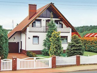 Awesome home in Kolczewo w/ Sauna, WiFi and 3 Bedrooms (PPO652)