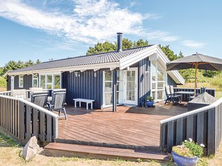 Nice home in Hirtshals w/ Sauna, WiFi and 4 Bedrooms (D8322)