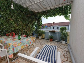 Awesome home in Cavtat w/ WiFi and 1 Bedrooms