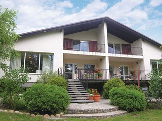 Awesome home in Wolsztyn w/ 4 Bedrooms