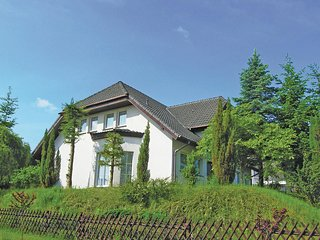 Nice home in Lubniewice w/ 4 Bedrooms (PPW481)