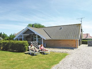 Stunning home in Juelsminde w/ Sauna, WiFi and 4 Bedrooms