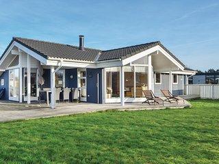 Amazing home in Juelsminde w/ Sauna, WiFi and 3 Bedrooms