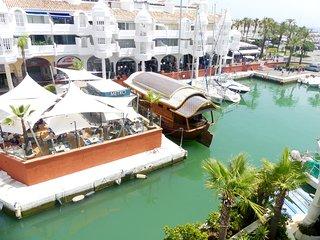 Benalmádena Puerto Marina Alquiler apartamento Vacacional Dentro de la  ISLA