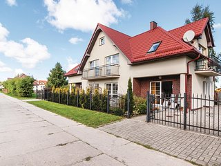 Nice home in Rowy w/ 1 Bedrooms