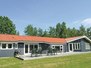 Stunning home in Græsted w/ Sauna, WiFi and 5 Bedrooms