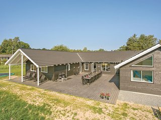 Stunning home in Vejby w/ Sauna, WiFi and 8 Bedrooms (G4100)