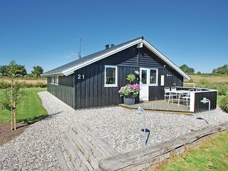 Stunning home in Børkop w/ Sauna, WiFi and 3 Bedrooms