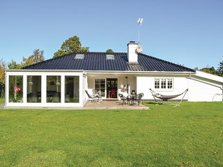 Beautiful home in Hornbæk w/ WiFi and 4 Bedrooms (G4270)